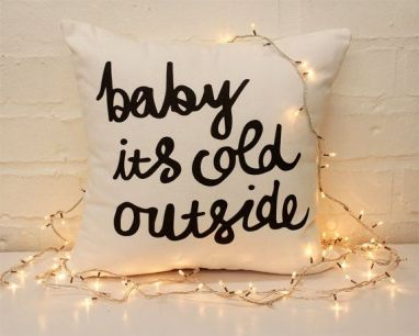 coussin-baby-its-cold-outside-boutique-etsy
